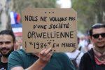 Pariser Demonstrationen gegen den Impfpass