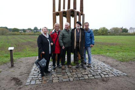 das Team mit Künstler und Bürgermeisterin
