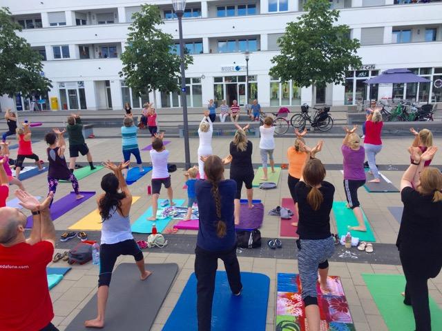 Yoga Flashmob Widdersdorf