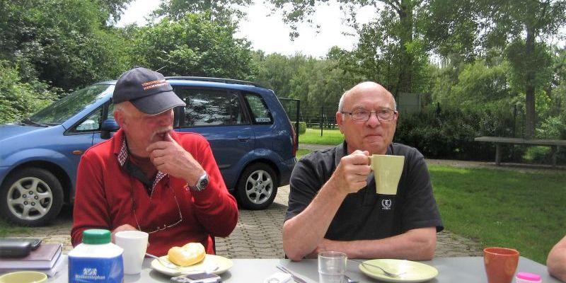 Jürgen und Rolf beim Kaffee