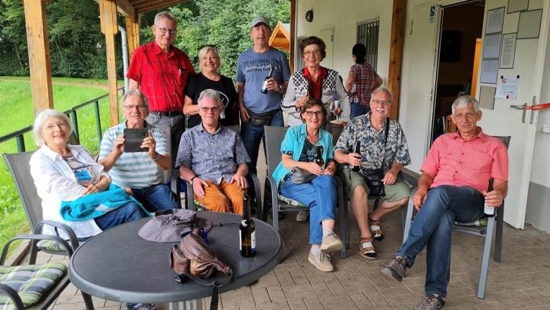 Gruppenfoto der Minigolf Teilnehmer
