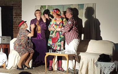 """""""Schöne Aussicht""""  – Die Theatergruppe """"Süßholz"""" spielt in der Villa Friedlinde"""