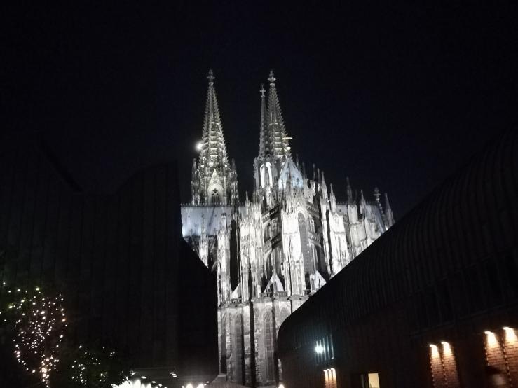 Die Gotik – Schlanke Türme, hohe Fenster und Licht…