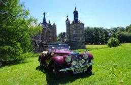 Oldtimer im Park von Schloss Merode
