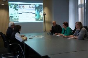 Redaktionssitzung des Online-Teams im Bergheimer Rathaus. Jeder kann mitmachen.