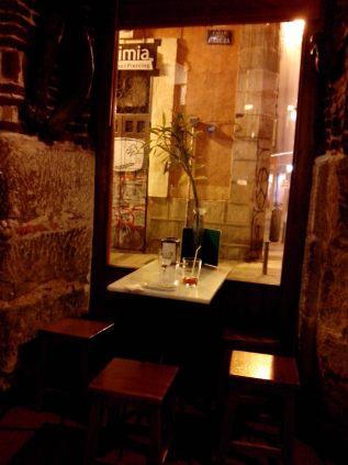 interior-taberna-la-chilostra