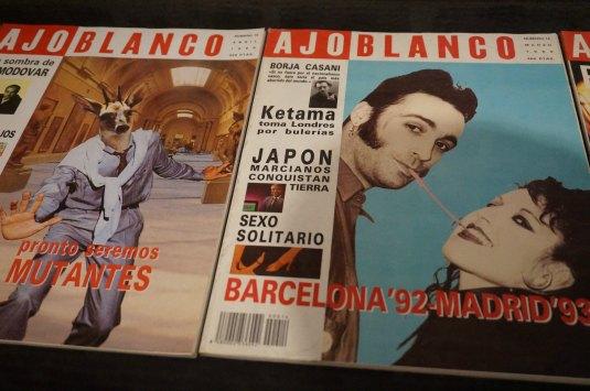 Ejemplares de la Revista Ajoblanco. Exposición del Centro Cultural Conde Duque