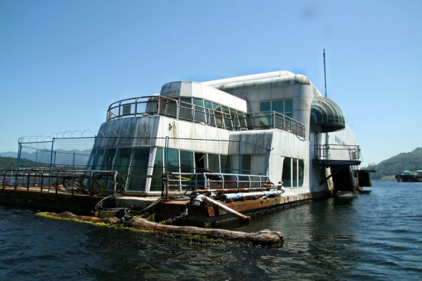 Just-an-Abandoned-Barge-3-610x406