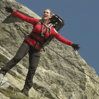 "Kate Winslet Recreated Her Iconic ""Titanic"" Scene With Bear Grylls"