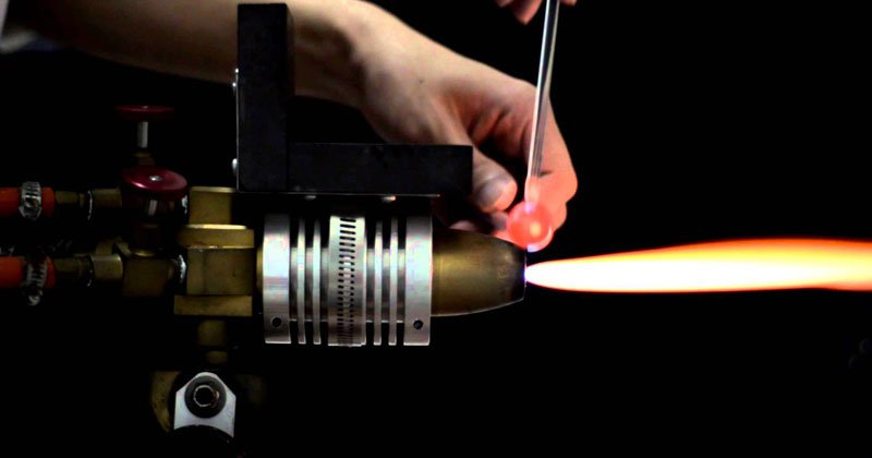 Unbelievable Glass Art That Emerges From This Flame