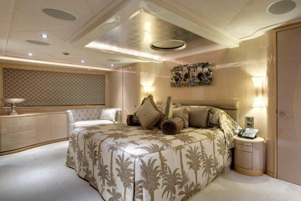 ophelia_fraser-yachts_central-agency-82