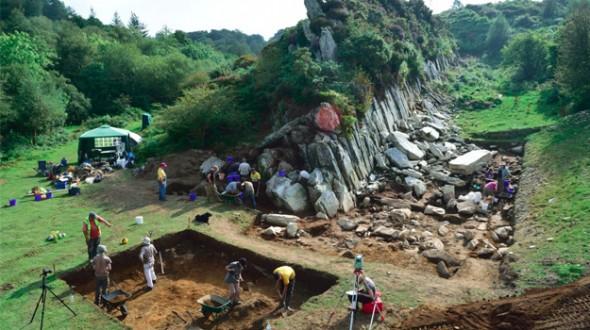 stonehengebl-590x330