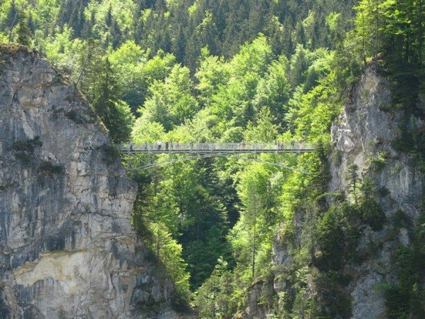 Dangerous Bridges Around The World (1)