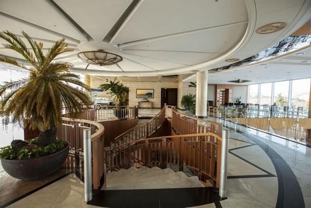 Sun Cruise Resort & Yacht