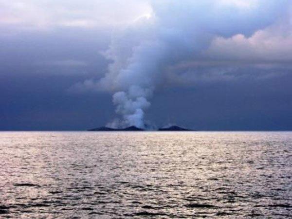 Birth of an Island (14)