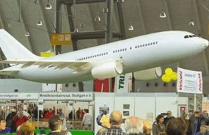 Airbus A320 Model Flying