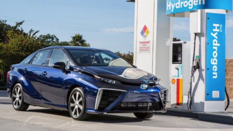 Toyota's Hydrogen-Powered Mirai