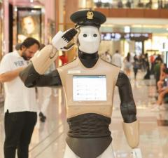 Robot Cop is Deployed In Dubai