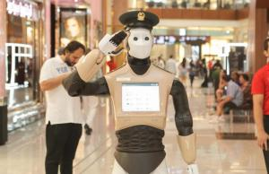 Robot Cop is Deployed In Dubai