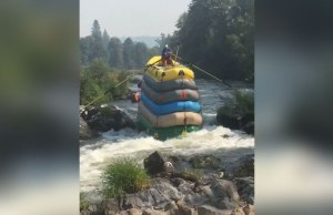 This Guy Go Down a River in 6 Rafts