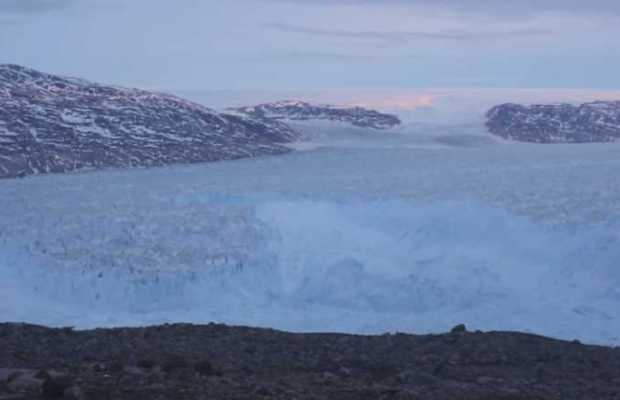 10 Billion Tons of Ice Calving Off a Glacier in Greenland