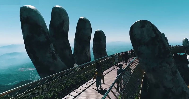 Golden Bridge on Ba Na Hills in Da Nang, Vietnam