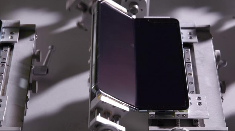 Samsung Galaxy Foldable Phone Get Folded By A Robot About 200,000 Times
