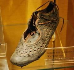 Roman Shoe