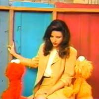 Julia Louis-Dreyfus Curses in Front of Elmo and Zoe