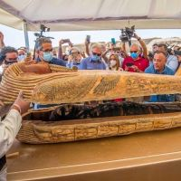 Egyptian Archaeologists Opened A 2,500-Year-Old Sarcophagus