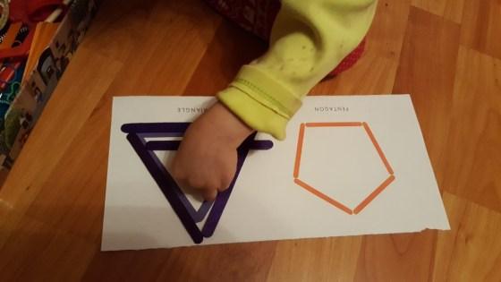 Construcție formă geometrică