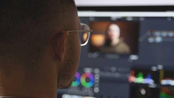 video-editor-using-imac-davinci