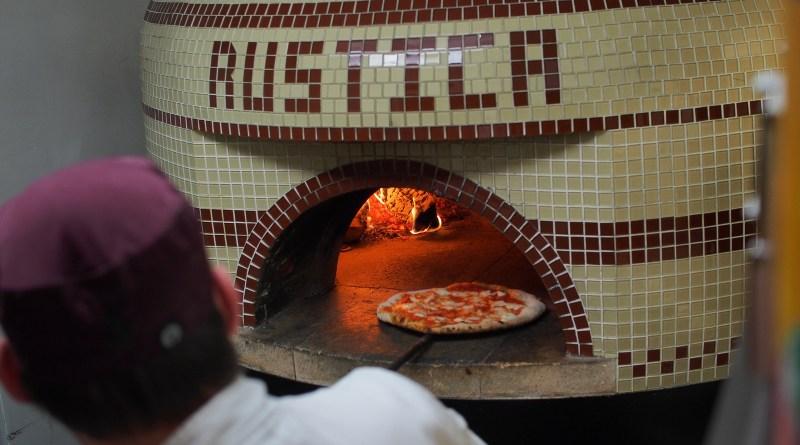 Rustica Pizza Vino PIzza Oven - LetsGoMaple