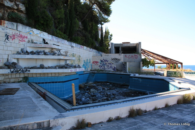Photos Of The Abandoned Hotel Belvedere In Dubrovnik Croatia Untapped Cities