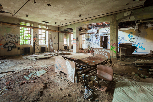 Abandoned NYC Takes Us into Kings Park Psychiatric