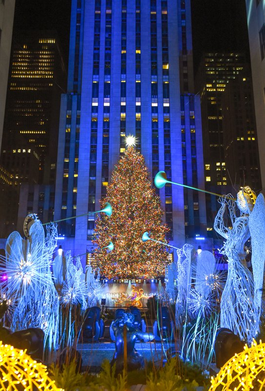https untappedcities com 2020 12 03 photos 2020 rockefeller center christmas tree lit