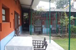 Mrs. Bhandari's Guest House. Schöne Zimmer mit grünem Innenhof.