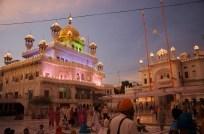 Farbenpracht im goldenen Tempel
