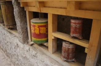 Auch die Gebetsmühlen in Alchi sehen älter aus