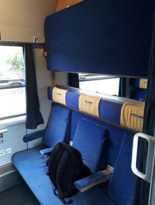 Innenansicht Flixtrain Nachtzug Abteil