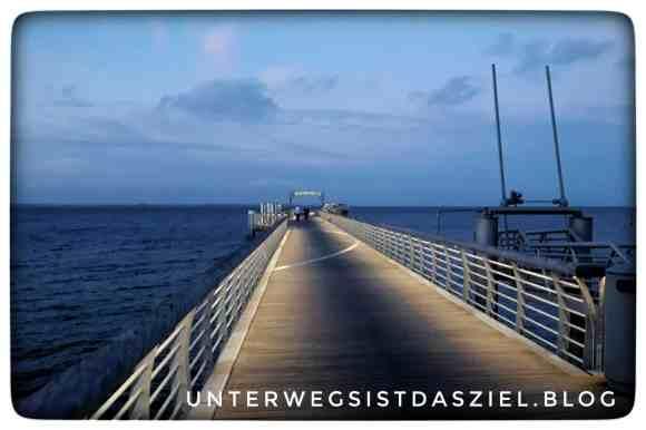 Auf der Seebrücke Schabeutz ostsee Dunkelheit Winter