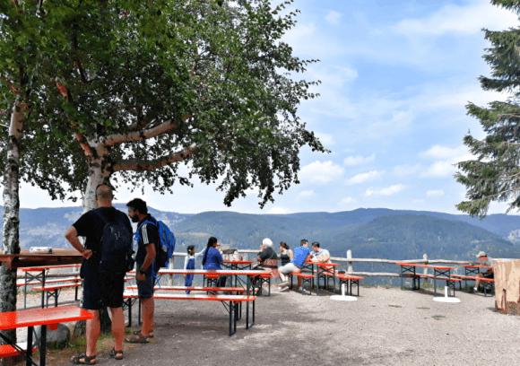 Der Biergarten Berggasthof Hasenhorn mit toller Aussicht