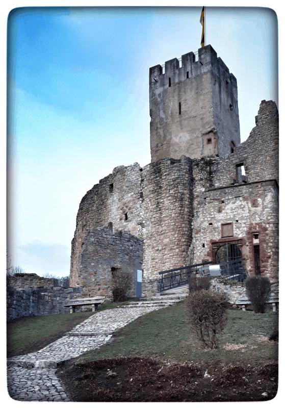 """Burg Rötteln ist auch von """"Aussen"""" sehenswert"""