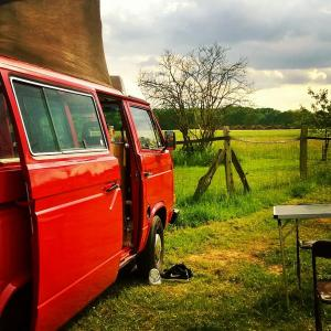 VW T3 Bulli Camper Aufstelldach auf Landvergnügen -Stellplatz Hünxe