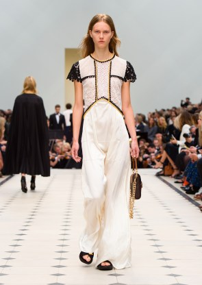 burberry_womenswear_s_s16_collection___look_46_jpg_8487_north_1382x_black