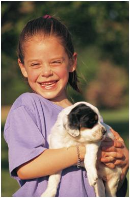 girl-and-puppy
