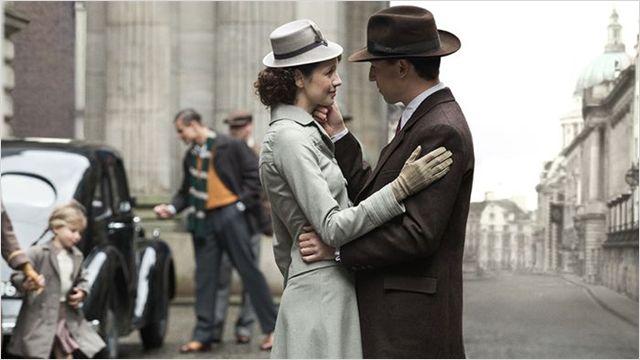 Claire (Caitriona Balfe) et Frank Randall (Tobias Menzies) en 1945 © Starz