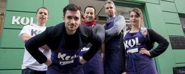 La fine équipe de KOL, prête à étancher votre soif à toute heure ! Crédits : KOL