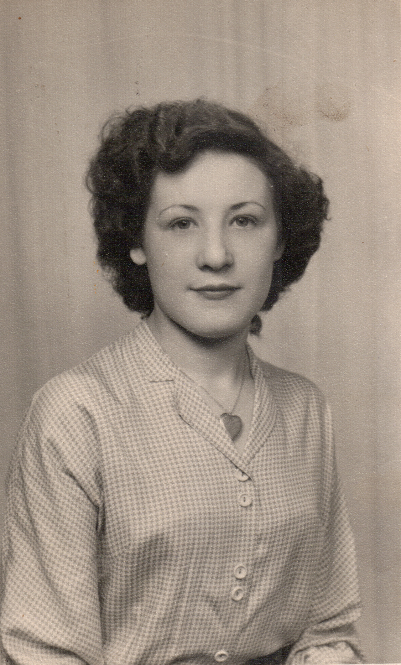 Shirley age 18 in 1952