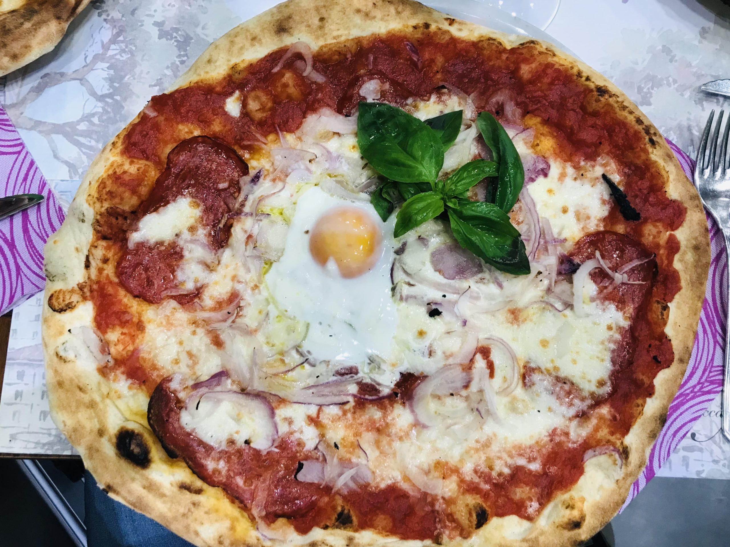 Pizza in Spacca Napoli Bologna